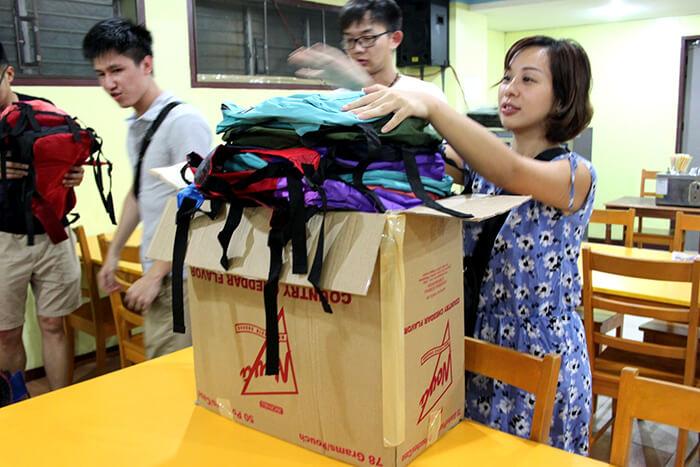 UV ESL慈善活動-學生整理物資