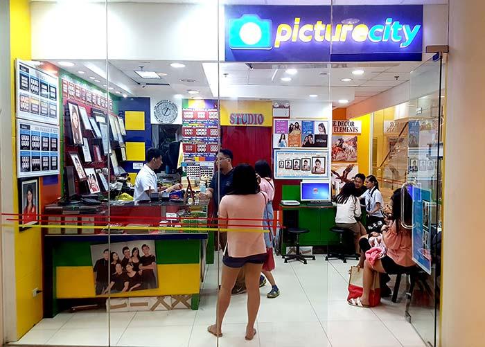 Picturecity洗相片館 - 在Ayala百貨4樓,哪一層樓