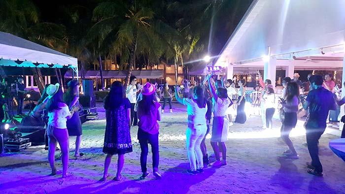 麥克坦島跨年活動節目, 過外跨年, 海外跨年
