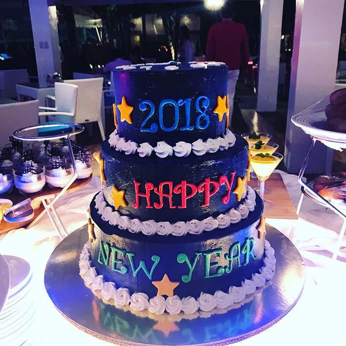 麥克坦島跨年活動, Happy New Year