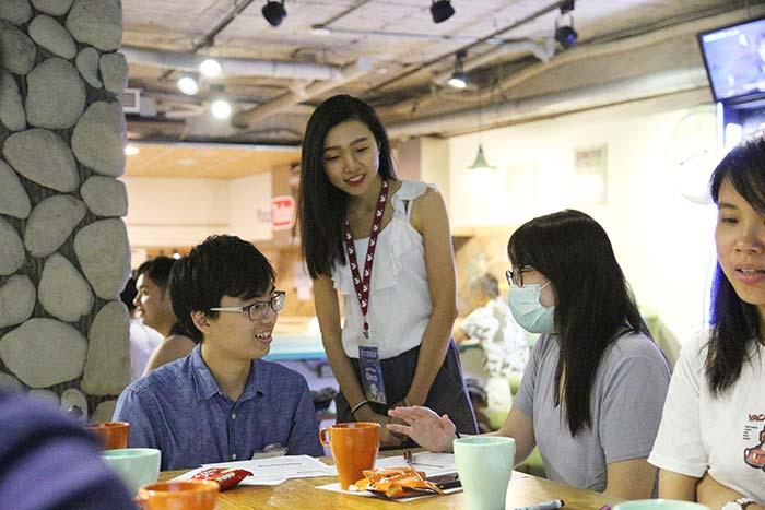 如何學好英文會話, 怎麼用英文聊天寒暄, 和朋友聊天英文